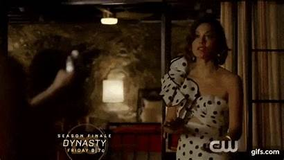 Dynasty Season Episode Dead Claudia Scratch Alexis