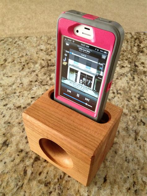 wooden acoustic speaker  iphone  electricity needed