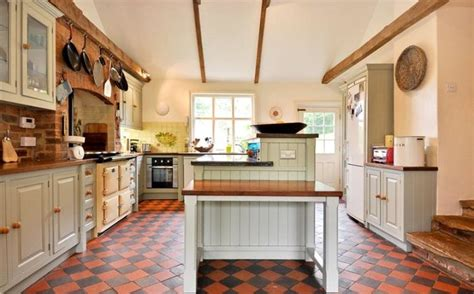 quarry tiles kitchen the 25 best quarry tiles ideas on pinterest kitchen quarry tile terracotta tile and kitchen