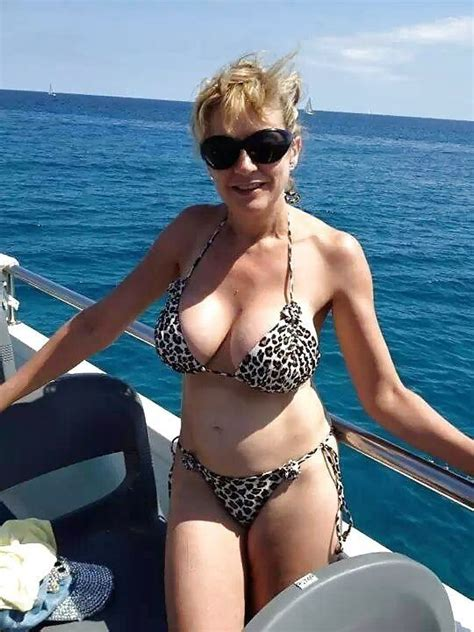 bikini moms   sexy older women