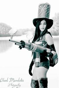 Cosplay Caitlyn sheriff League of legend by Chromulee on ...