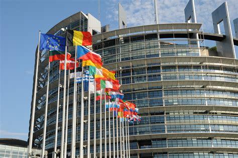 ou siege la commission europ馥nne afrique monde