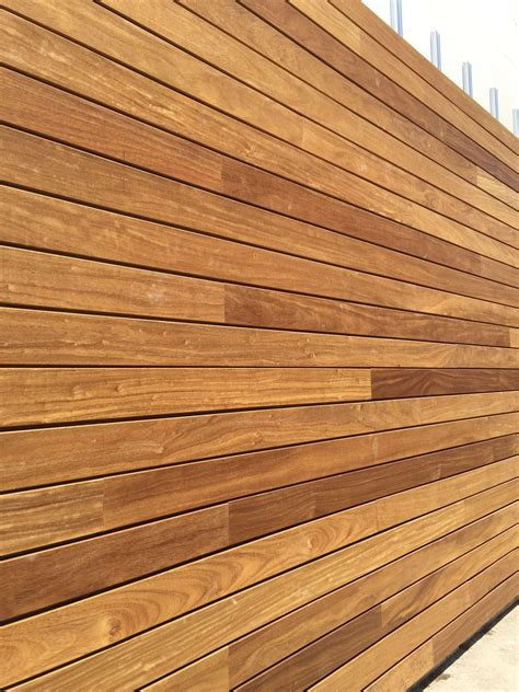 Aussen Fliesen Holzoptik by Exterpark Iroko Magnet Decking Cladding System Decking