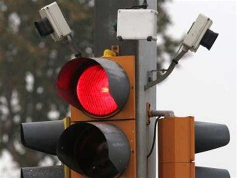 multa al semaforo rosso  telecamera  difendersi