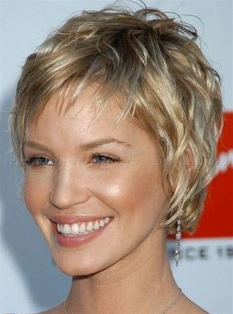 short wavy hairstyles   wavy pixie hairstyle   trendy