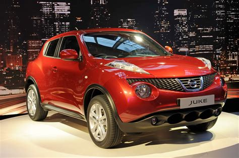 nissan crossover 2010 nissan s juke crossover shows its face in geneva