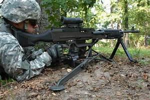 M240 7 62mm Machine Gun
