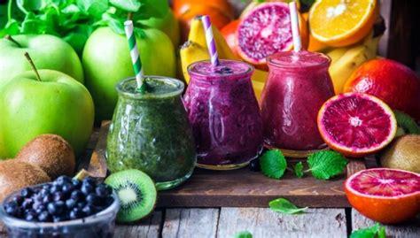 10 īpaši veselīgi kokteiļi, kuru pagatavošanai ...