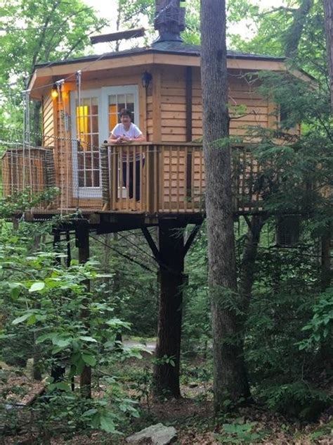 Country Road Cabins Has The Perfect Treehouse in West Virginia