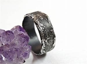 Wedding rings nice mens wedding rings black titanium for Nice mens wedding rings