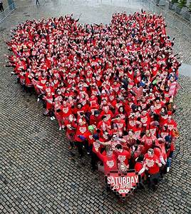 Largest human Love Heart: Dublin sets world record (VIDEO)