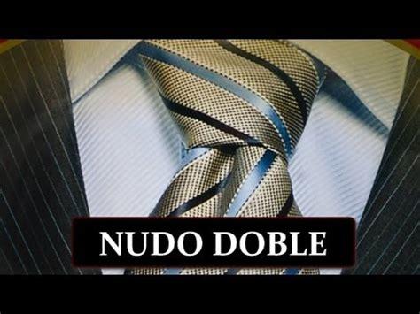 como hacer un nudo de corbata doble