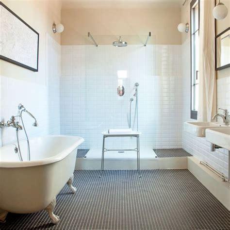 salle de bains avec et baignoire c 244 t 233 maison