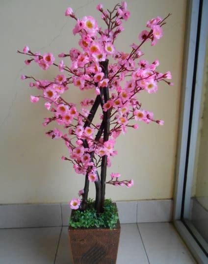 bunga artificial hijau cara merangkai bunga plastik yang baik dan benar bunga