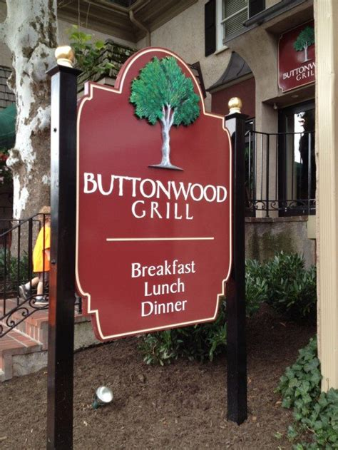 breakfast   buttonwood grill  peddlers village