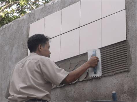 tatacara pelaksanaan pekerjaan pelapis dinding keramik