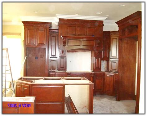 crown molding ideas for kitchen cabinets crown molding above kitchen cabinets home design ideas