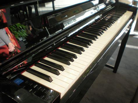 yamaha clp 585 yamaha comparatif des nouveaux pianos num 233 riques mon avis sur les mod 232 les pr 233 sent 233 s au salon