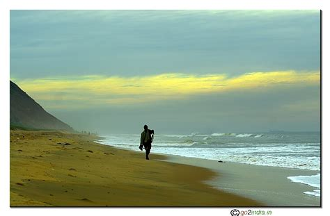go2india.in : Fisherman at Yarada Beach Visakhapatnam