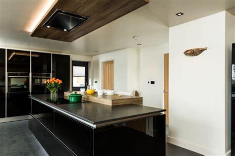 Nobilia Black Gloss Handless Kitchen  Kitchen Hampshire