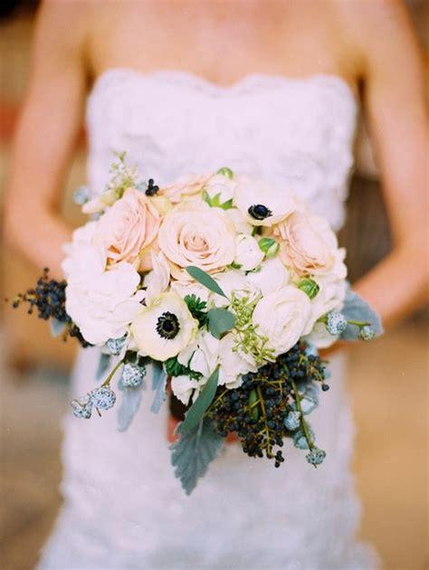 picking winter wedding flowers