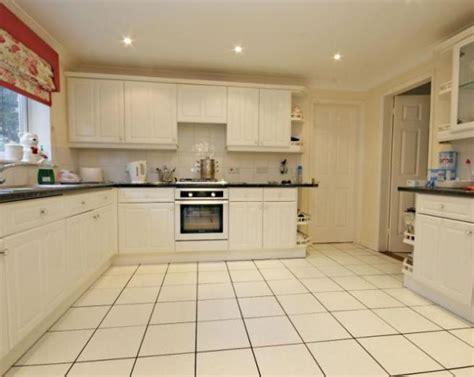 kitchen flooring options ideas  tile  kitchen floor