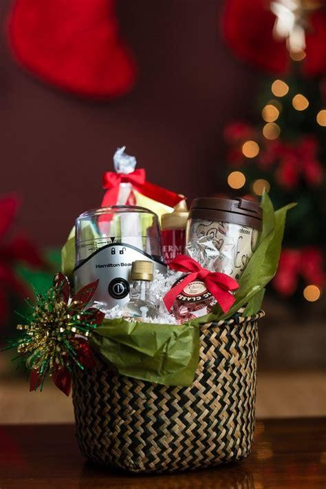 diy christmas gift basket ideas   arrange