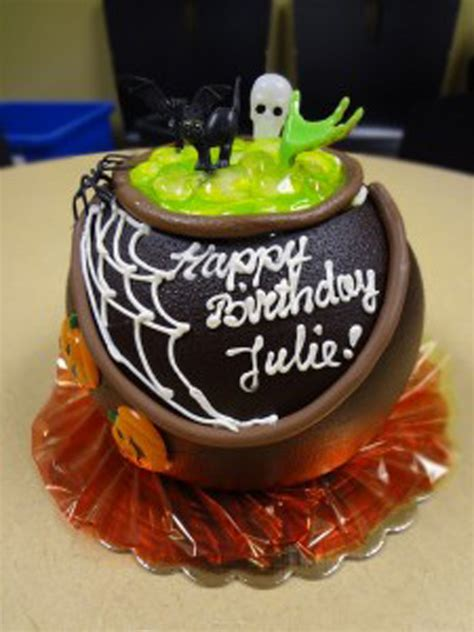 sacfoodies halloween cake