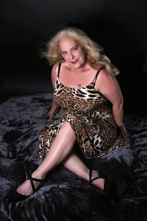 Sexy mature lady pictures