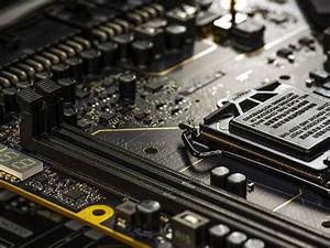 Which Intel Motherboard Should I Buy  Z390  Z370  H370