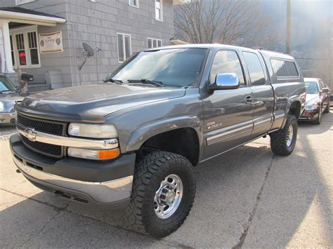 Chevrolet Silverado 81 2000  Auto Images And Specification