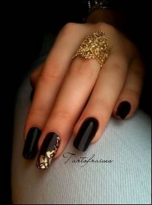 Black Squoval Nails w/ Gold Leafs | Nails | Pinterest ...