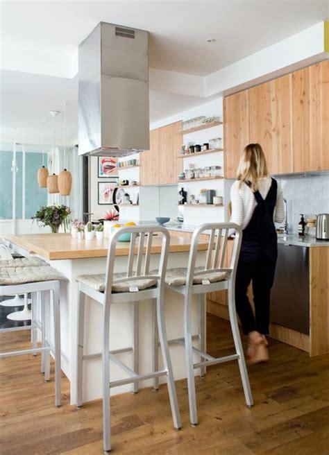cuisine avec ilot bar la cuisine équipée avec îlot central 66 idées en photos archzine fr