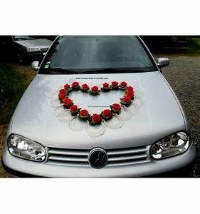 Deco Avec Piece De Voiture : d coration de voiture de mariage avec un grand c ur de roses bouquet de la mariee ~ Medecine-chirurgie-esthetiques.com Avis de Voitures