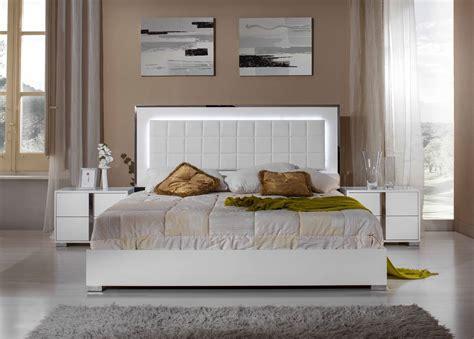 White Bedroom Set by Modrest San Marino Modern White Bedroom Set