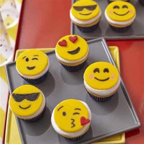 emoji mini cupcakes cupcake decorating idea  wilton