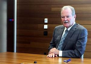 AIG returns to pre-bailout paydays for CEO, top executives ...