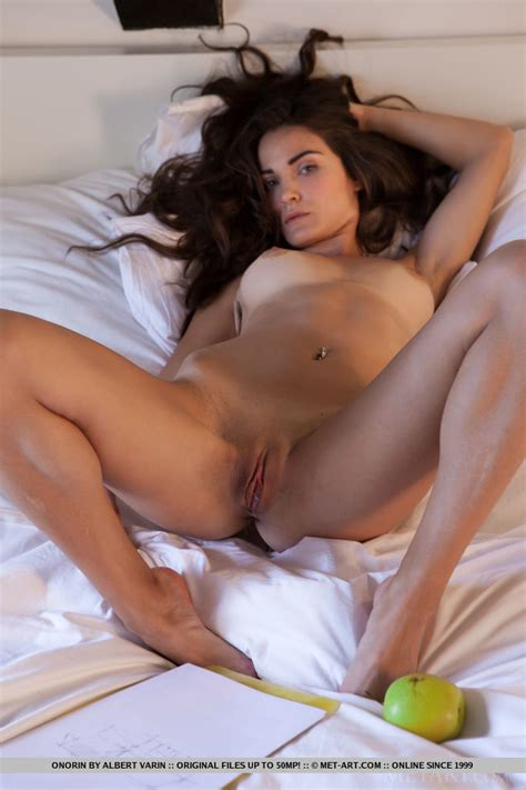 Onorin In Presenting Onorin By Metart Nude Photos