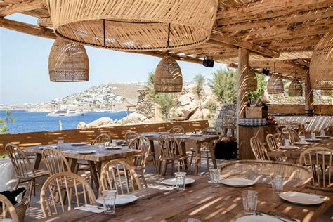 Scorpios Beach Club Mykonos - Hip beach club Mykonos