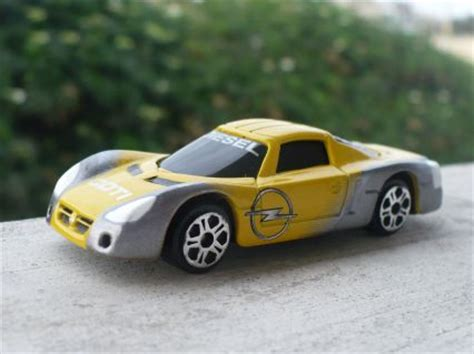 Opel Eco Speedster by Planet D Cars 2002 Opel Eco Speedster Concept
