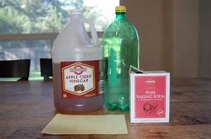 Baking Soda and Vinegar Bomb