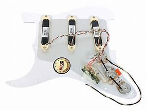 920d Fender Stratocaster Strat Lace Sensor Gold Loaded
