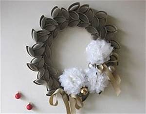 24 DIY Wreaths for Winter Decorating