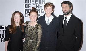 Julianne Moore wins at the 29th Museum of the Moving Image ...