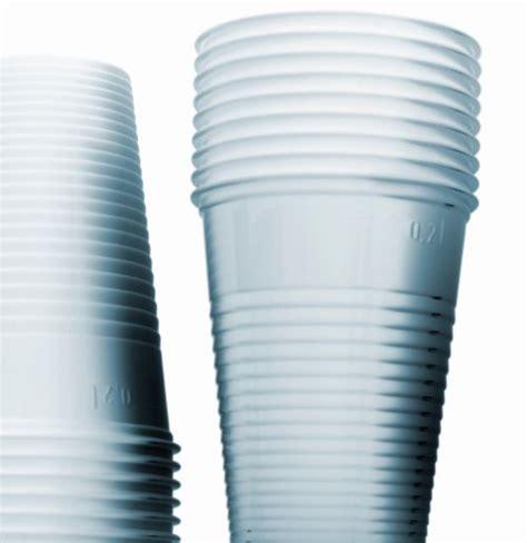 raccolta differenziata bicchieri di plastica raccolta differenziata ecologiae