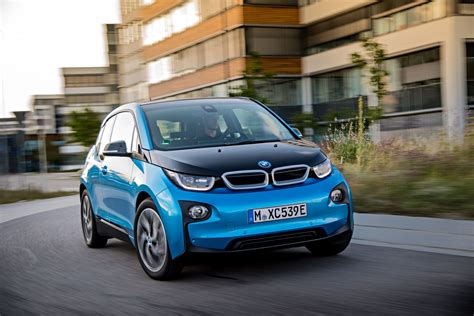 Initial Take: 2017 BMW i3 With New 33 kWh Battery - Test ...
