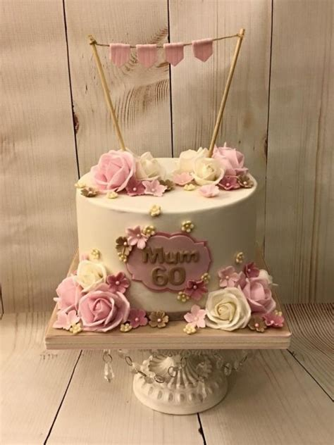 To be so thankful to her for giving her a big span of life for her family and her unconditional love. 60th Birthday Cake | 60th birthday cakes, Mom cake, 80 birthday cake