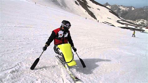 Makis Kalaras Seat Ski Ο ΜΑΚΗΣ ΚΑΛΑΡΑΣ κάνει Sit Ski στις