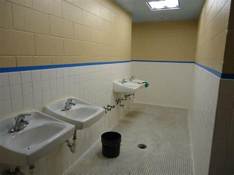 commercial bathroom reglazing  choice refinishers