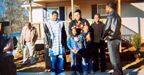 warrick dunn helped give deshaun watson  home  years